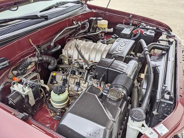 Maroon Tundra 37k jjjjjj by autosales