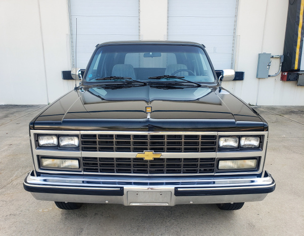 N 1989 Suburban by autosales