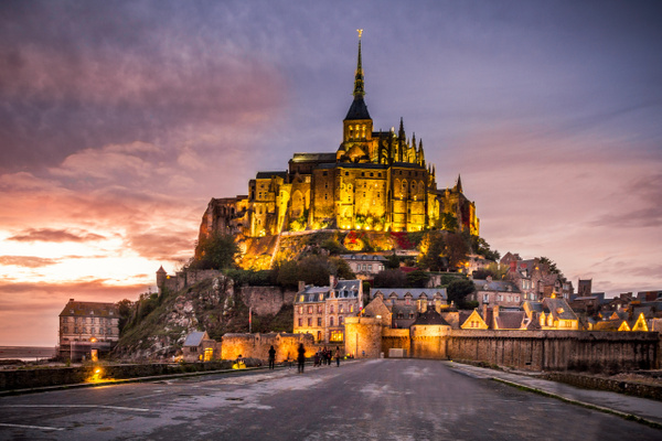 Mont Saint Michel Night - Landscapes by Serge Ramelli