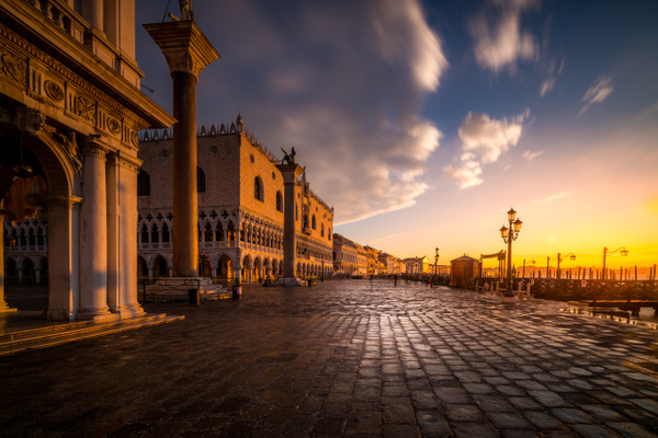 Venise-3 by Serge Ramelli
