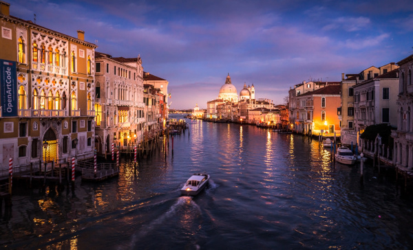 Grand Canal Soir-Edit by Serge Ramelli