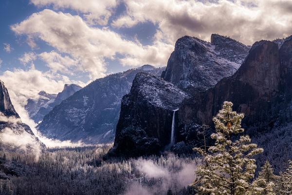 Bridalveil Fall Yosemite - Landscapes by Serge Ramelli