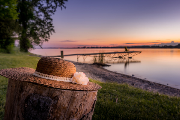 Ladies sun hat sunset - Canada - Dee Potter Photography