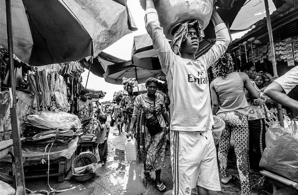 Grand Marché de Dantokpa, Cotounou, Benin - Street Photography - Justine Kirby Photography