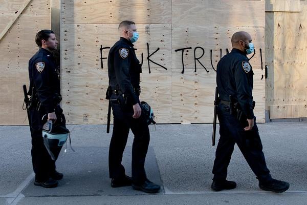 Anti-Trump Graffiti, Fifth Avenue, New York, November 2020 - Politics: Activism - Justine Kirby Photography