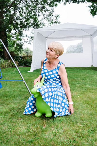 Garden partyMr PerrinsMom's 70th all files 20193712 x 5568Garden party-2 - Events - Stephen Kelvin Hope Photogrpahy