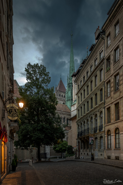 Geneve - Cathedrale 004 - Place de la Taconnerie - Cityscape - Patrick Eaton Photography