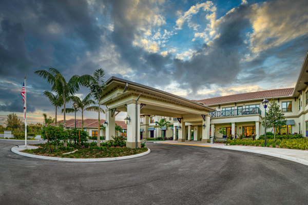Royal Palm (101) - Corporate Portfolio - Clifton Haley Photography