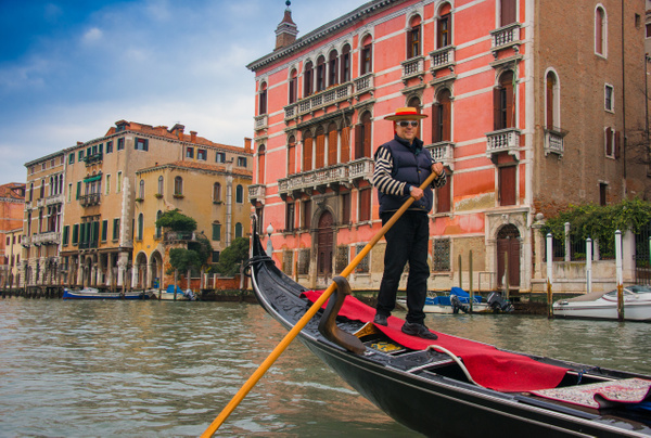 The gondolier - Venice - Kirit Vora Photography