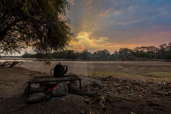 Zambia-Bush-Offroad-Fireplace by ReiterPhotography