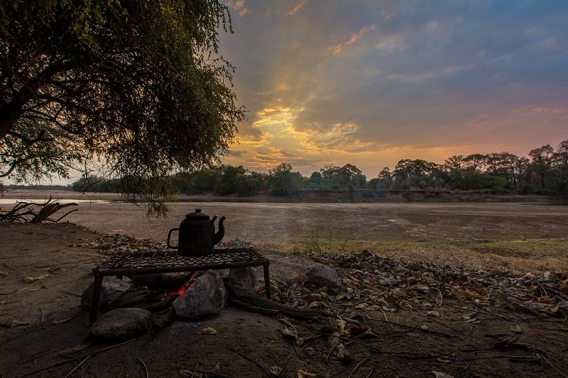 Zambia-Bush-Offroad-Fireplace