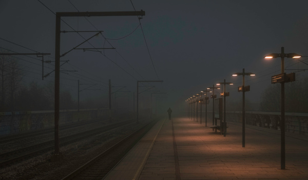distant man in the fog - Trains and Trainsstations - Molin Photos