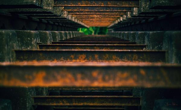 rusty rail and the hole - Close-ups - Molin Photos