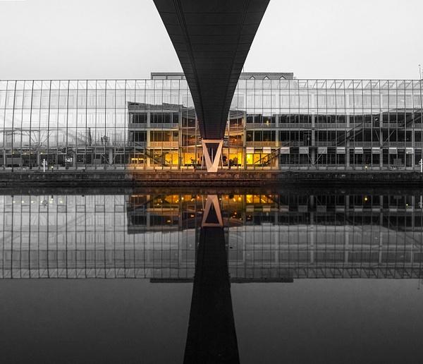bw bridge db reflextion yellow light - Black and white photography