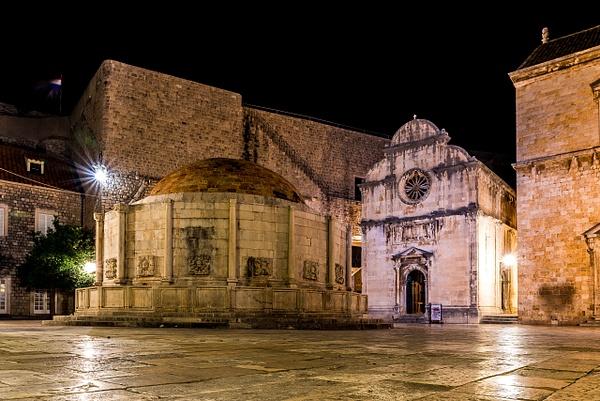 Onofrio's Fountain And St. Saviour Church by Luc Jean