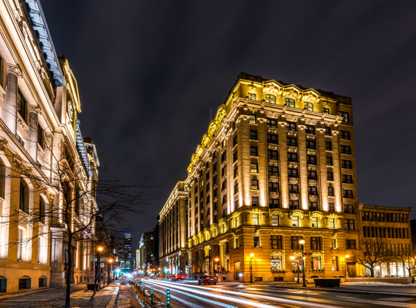 A walk at night in ... Montreal by Luc Jean