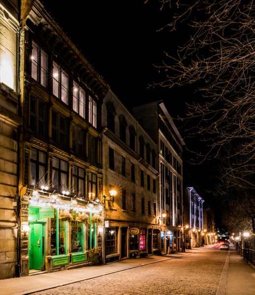 Old Montreal Street - A walk at night in ... Montreal - Luc Jean Photography
