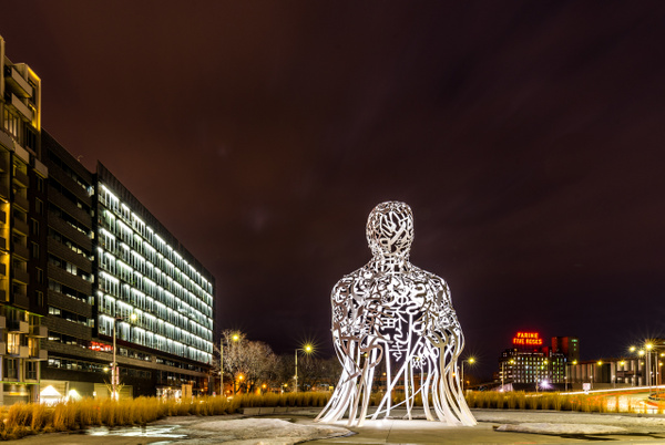 Source Sculpture From Jaume Plensa - A walk at night in ... Montreal - Luc Jean Photography