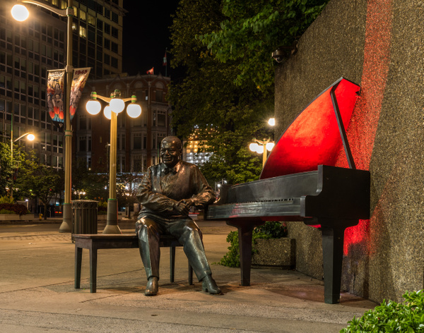 Oscar Peterson Statue by Luc Jean