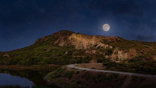 Mt. Calavera : Full Moon by ScottWatanabeImages