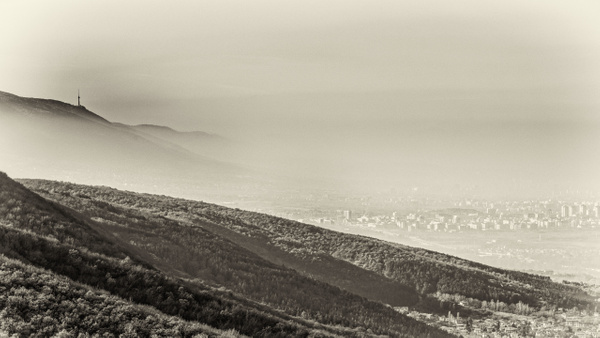 The city and the fog - Black and White - Arian Shkaki Photography