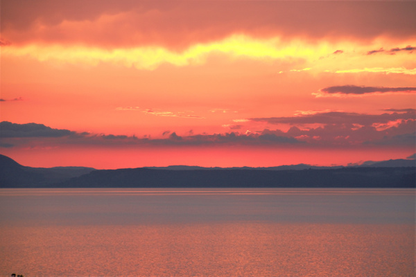 sunset over Taupo 5 - Sunsets - Graham Reichardt Photography