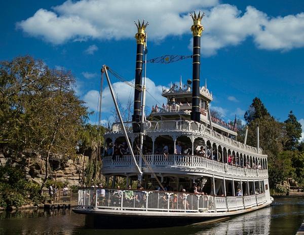 Mark Twain Riverboat by Bill Hunter
