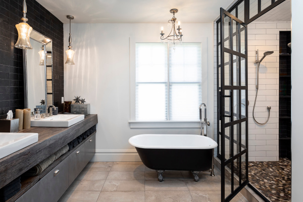 Master Bath - Real estate photographer from Graz - Delfino photography