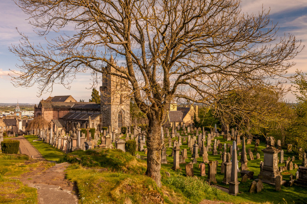 20200505-Holy Rood Graveyard (2) - Stirling Castle & The Wallace - Heather Morrison Photography