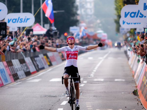 Mollema's biggest victory - Home - Heather Morrison Photography