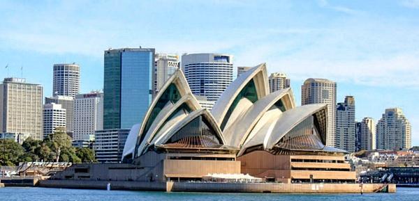 Sydney Opera House by DavidParkerPhotography