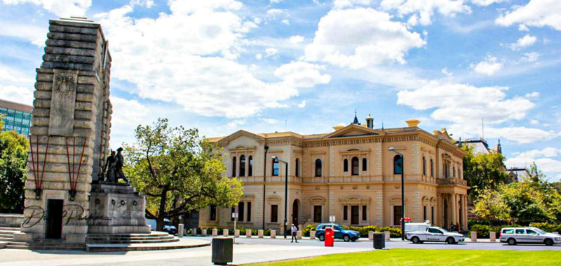 Adelaide War Memorial (front) and State Library