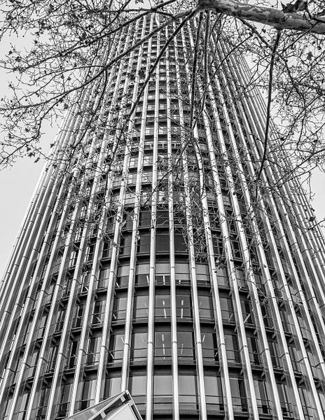 2019_0058 - Building - Madrid by ALEJANDRO DEMBO