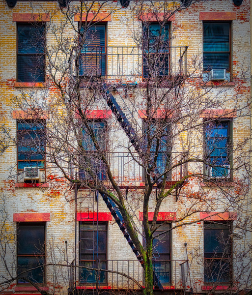 2018_119 - Facade - New York by ALEJANDRO DEMBO