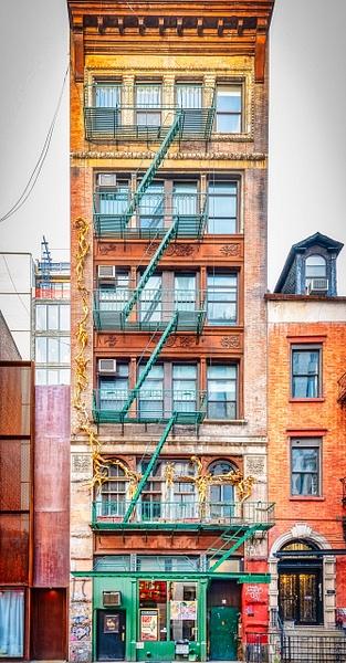 2019_004 - Facade - New York by ALEJANDRO DEMBO
