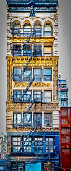 2019_007 - Facade - New York by ALEJANDRO DEMBO