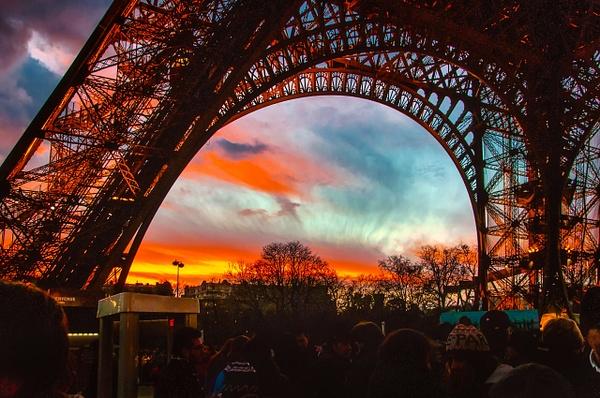 2011_6561 - Framed - Paris by ALEJANDRO DEMBO