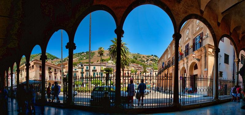 2011_0377 - Framed - Palermo