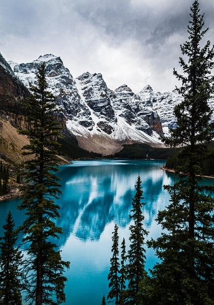 Moraine Lake Serene Beauty