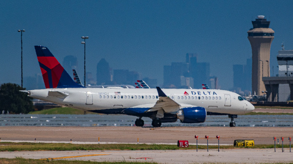Delta Airbus A220-100 (1 of 1) - Airplanes - KDS Imagery Photography