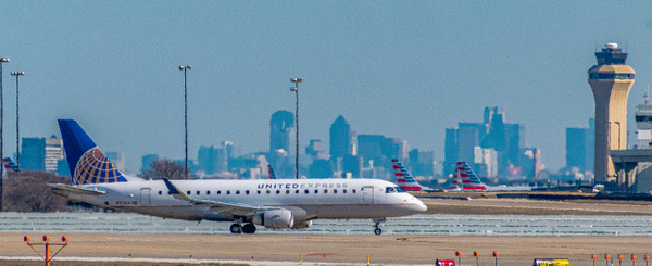 Embraer E175LR Departure (1 of 1) - Airplanes - KDS Imagery Photography