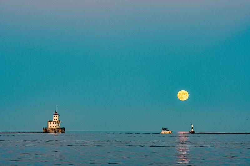 Moonrise Milwaukee