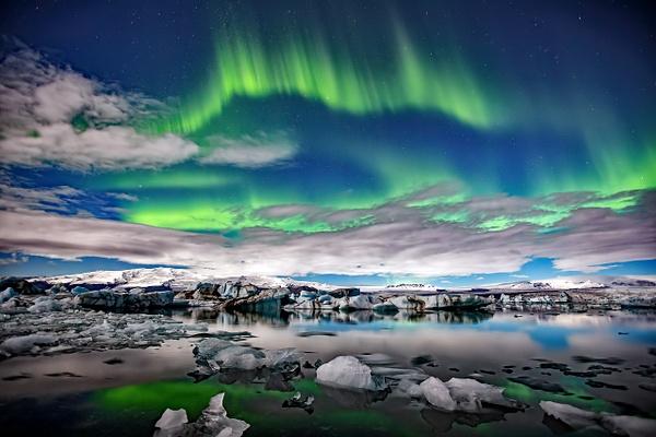BL2P2360y Aurora borealis Jökulsárlón - ICELAND - October 2012 - François Scheffen Photography