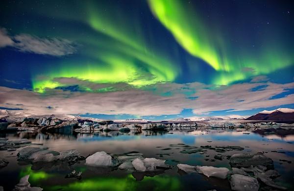 BL2P2368y Aurora borealis Jökulsárlón - ICELAND - October 2012 - François Scheffen Photography