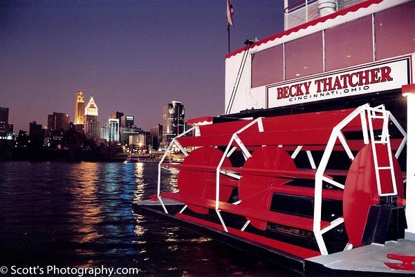 Cincinatti River Boat 1989 - Home - PhotographyScott