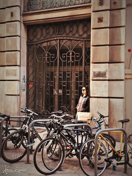 Shopping in Barsa - Spain - ImageN8