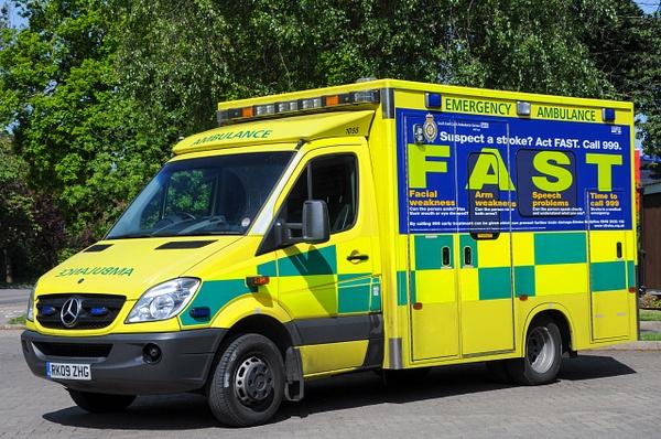 Ambulance Crawley - Emergency Vehicles - Michel Voogd Photography