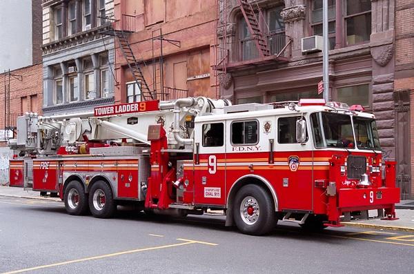 Tower Ladder New York - Emergency Vehicles - Michel Voogd Photography