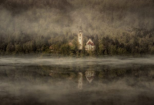 Bled-Lake-reflection