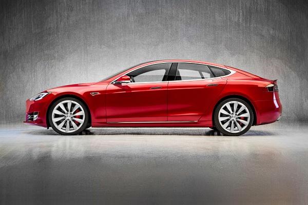 Tesla Modeal S Final 2c by Scott Kelby